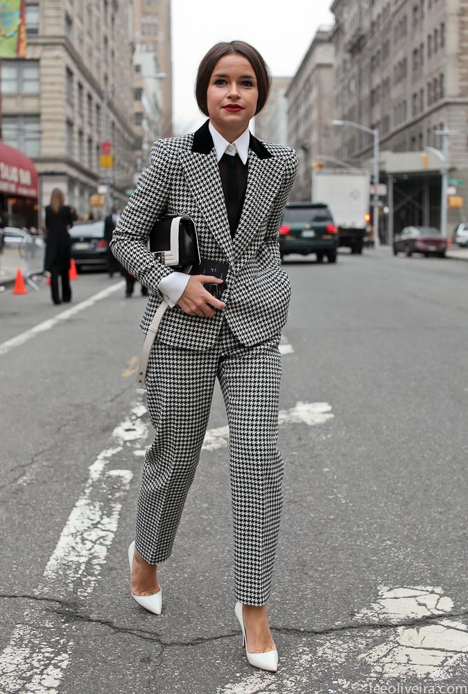 娇小型搭配_常见五种体型的不同搭配术 - 搭配 - 悦时尚 - 华人时尚美妆流行 ...